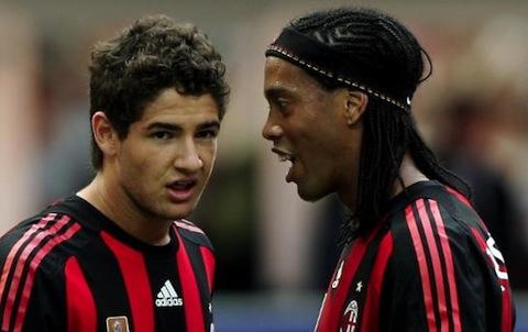 DirettaNews_Ronaldinho e Pato