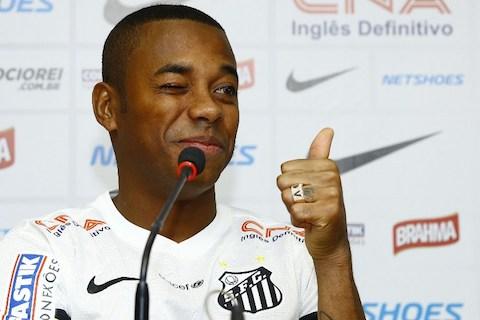 Robinho durante apresentacao no Santos na Vila Belmiro.