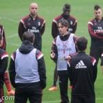 Allenamento Milan: Alex e Muntari in gruppo