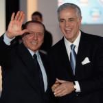 """Berlusconi annuncia: """"Cedo a chi è disposto a mettere 200 mln l'anno"""""""