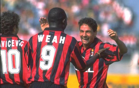 Roberto Baggio and George Weah of AC Milan