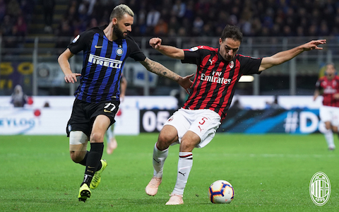 ESCLUSIVA MILAN  Foto Spada/LaPresse 21ottobre 2018 Milano , Italia  sport calcio Inter vs Milan  - Campionato di calcio Serie A TIM 2018/2019 - Stadio  San Siro  Nella foto: Giacomo Bonaventura, Brozovic   EXCLUSIVE MILAN  Photo Spada/LaPresse October  21 , 2018 Milan , Italy sport soccer Inter vs Milan   - Italian Football Championship League A TIM 2018/2019 - San Siro Stadium In the pic: Giacomo Bonaventura , Brozovic