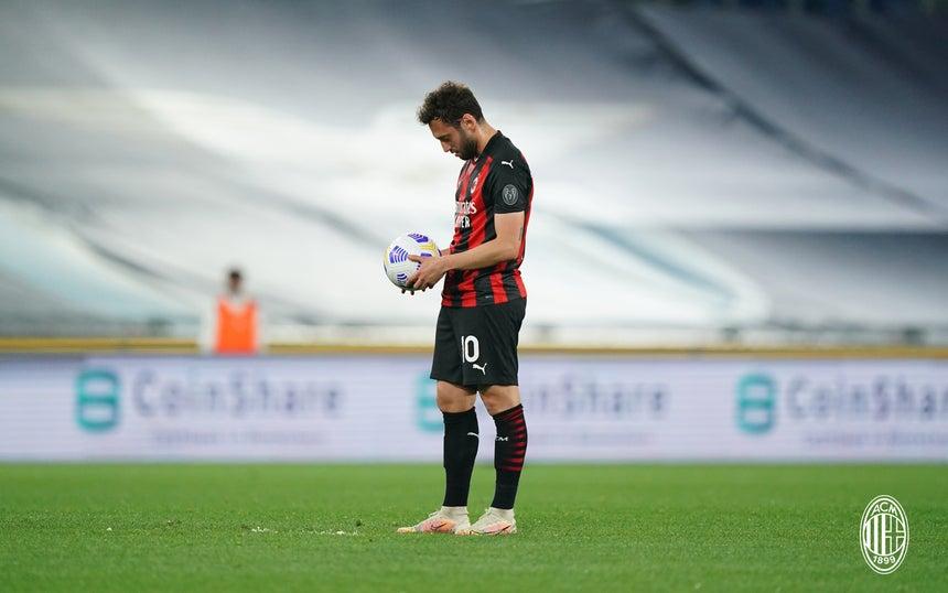 ACM_Lazio_Milan_calhanoglu